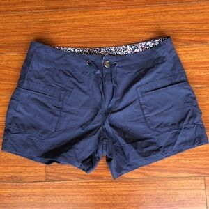 Columbia sz 10 draw string shorts